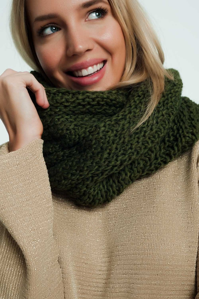 Woven thick scarf in khaki