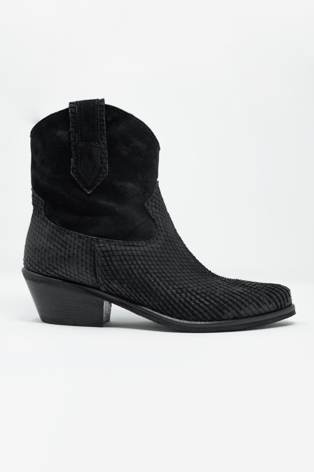 western boots in black crocodile