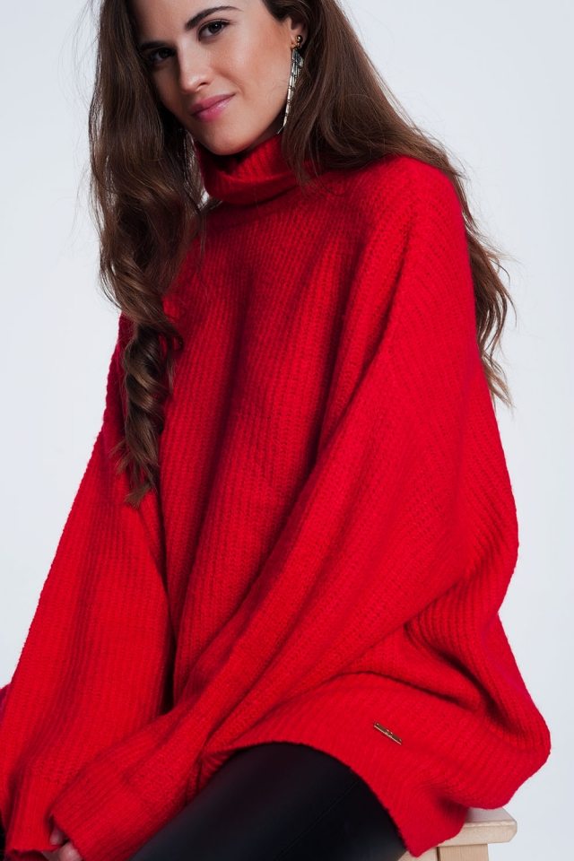 rotem übergroßer Pullover mit Stehkragen