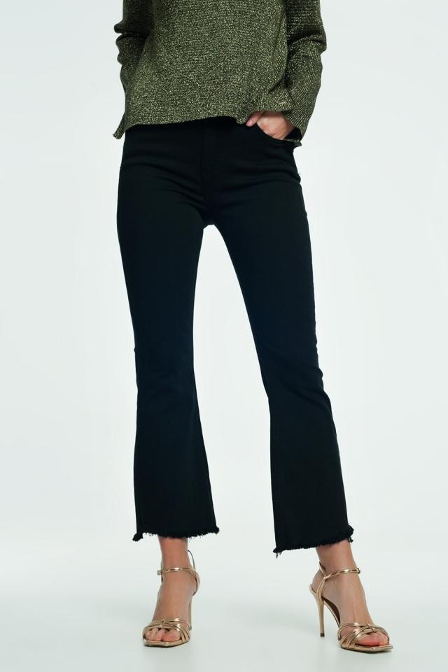 Ausgestellte Jeans mit hohem Saum in Schwarz