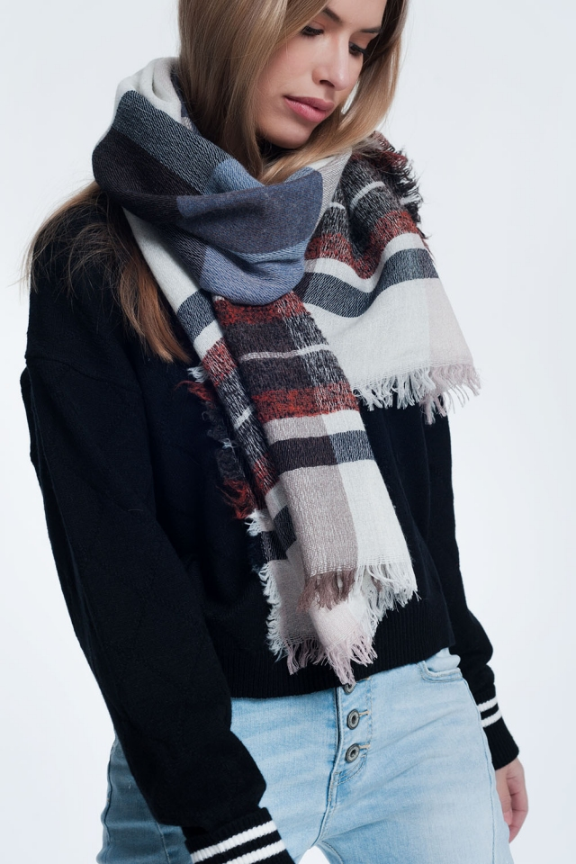 Gray scarf with patterns