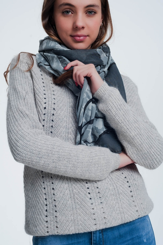 Scarf in dark gray with print