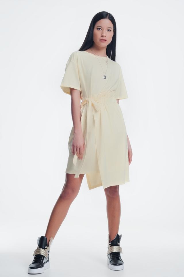 T-Shirt-Kleid mit Raffung vorn gelber