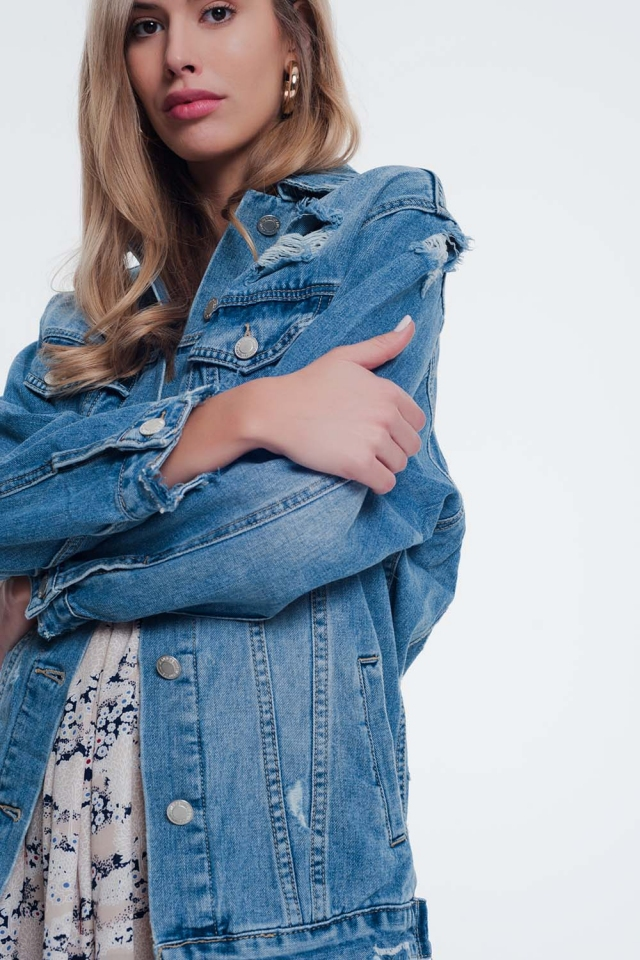 Light denim jacket with pockets and wear detail