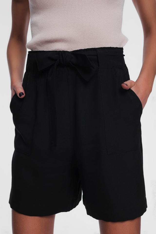 belted short in black