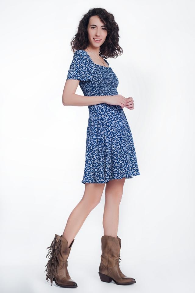Blau Kleid mit gerafftem Vorderteil