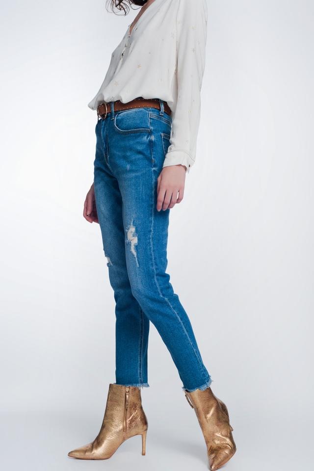 Mittelblaue gerade geschnittene Jeans mit Knierissen