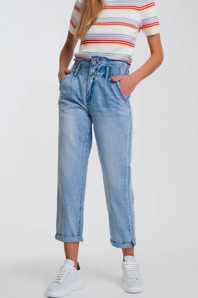 Mom Jeans mit elastischem Bund und drei Knöpfen