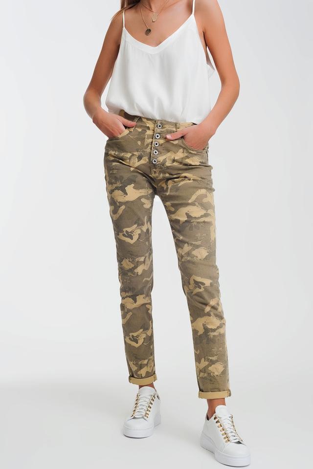 Boyfriend Pants with camo print