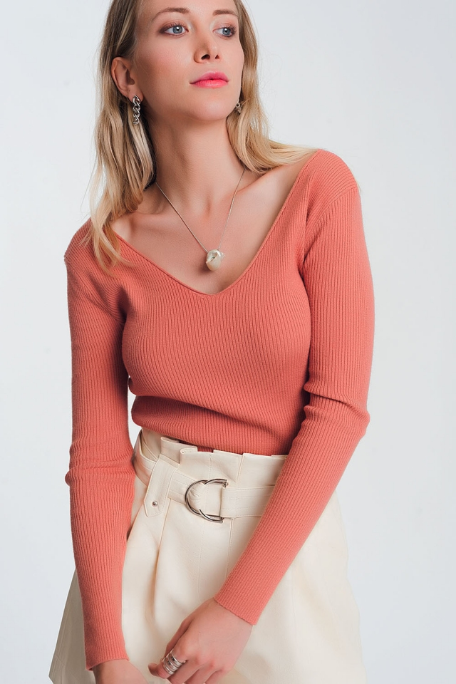 Knitted jumper in pink with v back