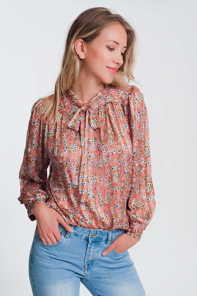 Tie front blouse in pink floral