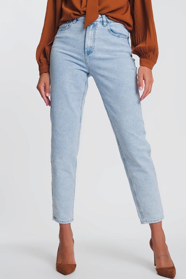 High waist mom jeans in light denim