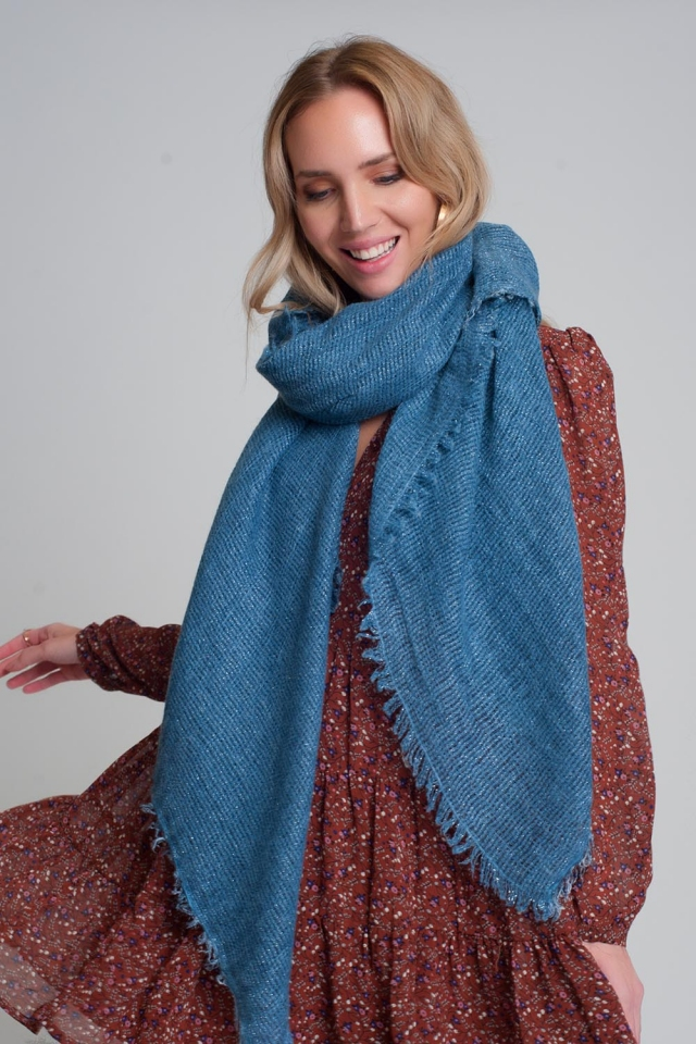 Lightweight knitted scarf in blue