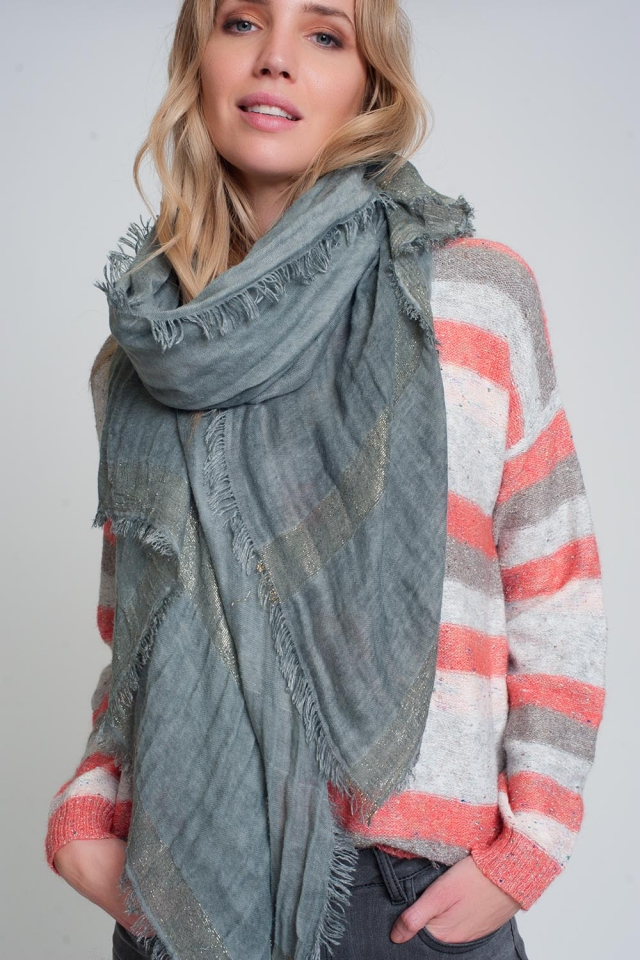 Lightweight scarf in gray with gold stripes