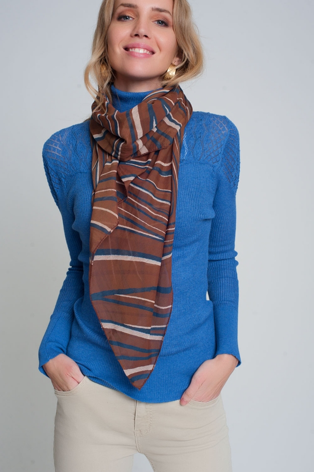 Lightweight brown scarf with geo print