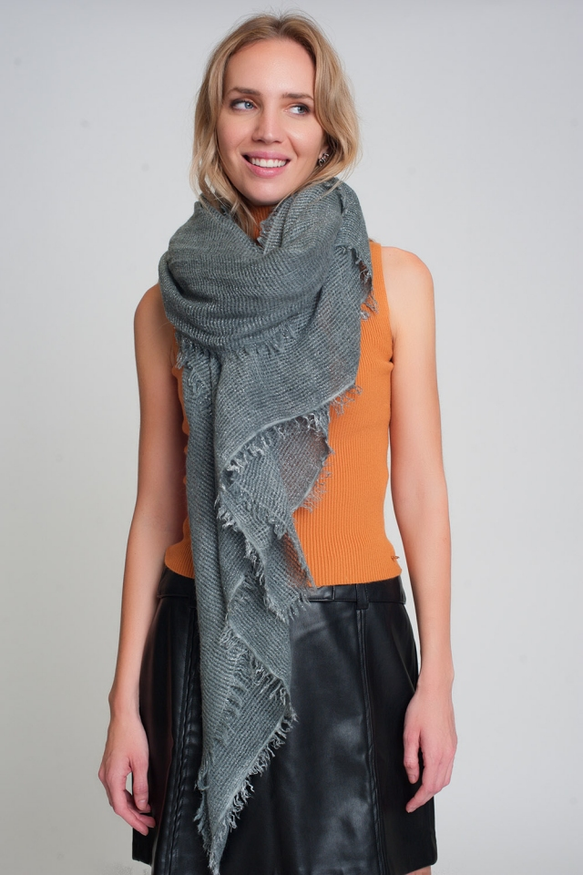 Lightweight knitted scarf in gray