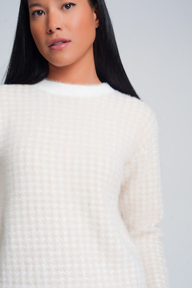 Fluffy houndstooth print sweater in beige