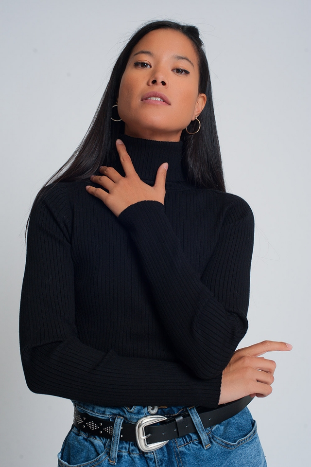 Soft ribbed sweater with turtleneck in black