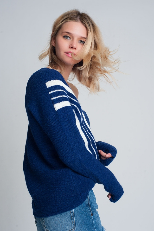V neck sweater with contrast stripe in blue