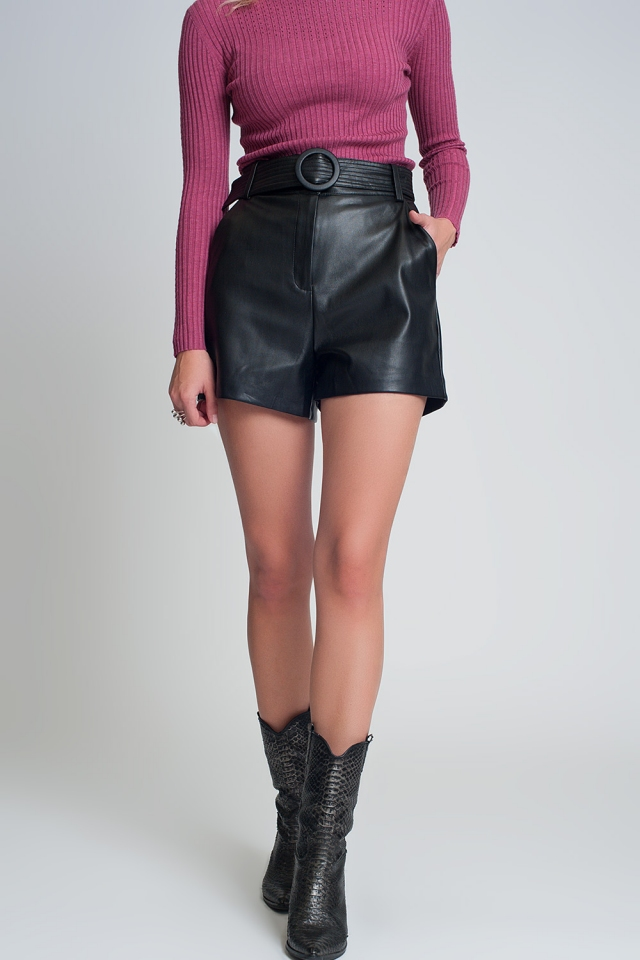Shorts black with belt in faux leather