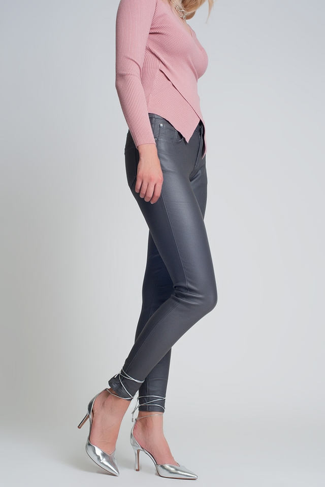Coated pants in gray