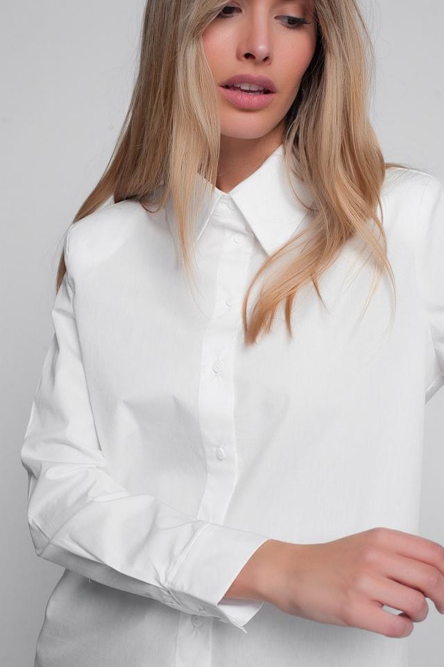 V neck shirt in white