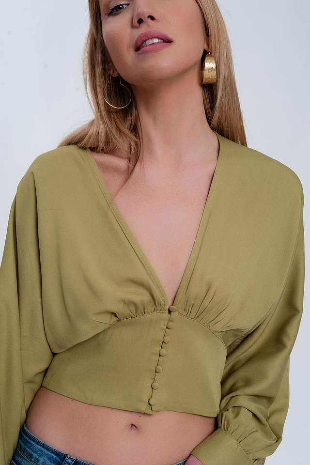 Top with puff sleeves in green