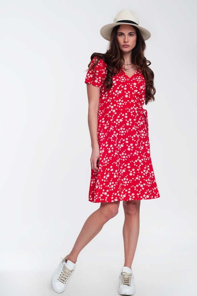 Mini wrap dress in daisy print in red