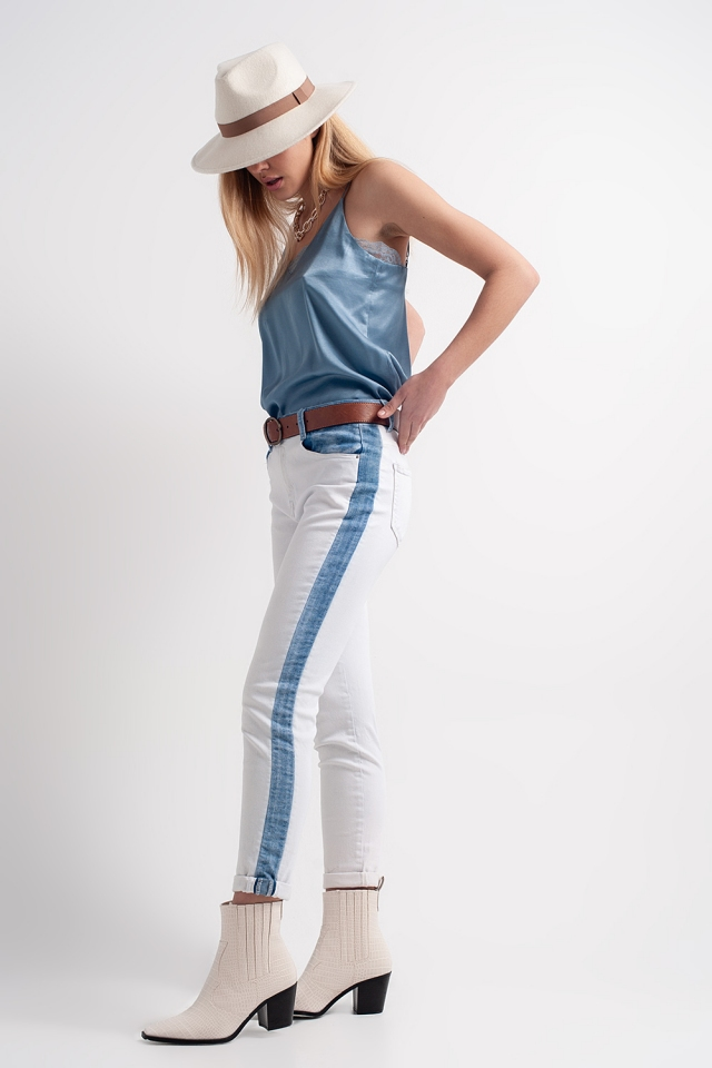 Jeans with contrast panel in light wash
