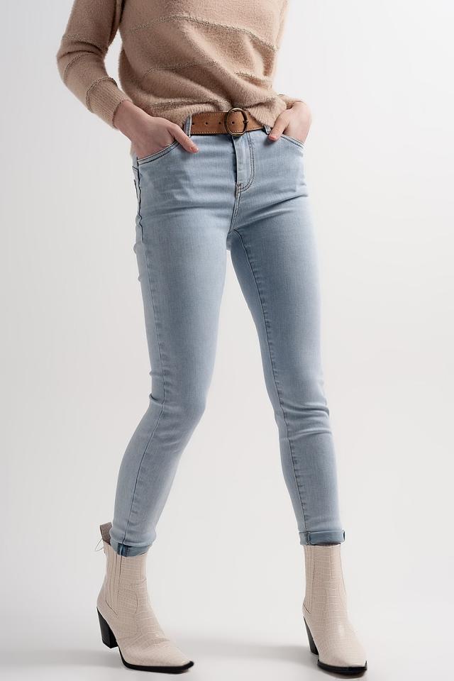 Enge formende Jeans in Blau