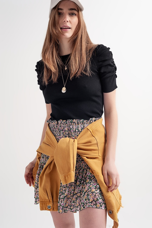 Knitted top with balloon sleeves in black