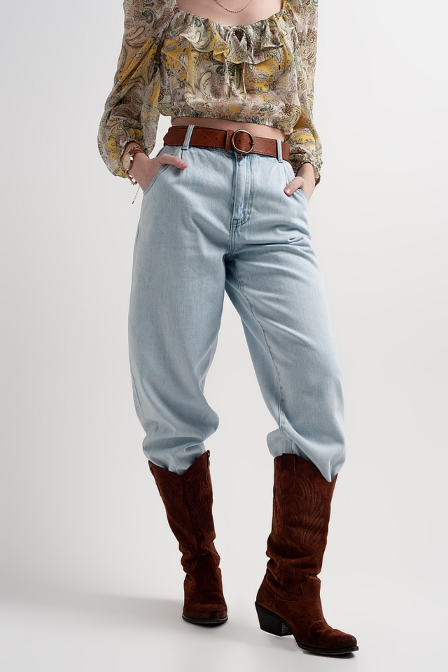 High rise slouchy mom jeans in lightwash