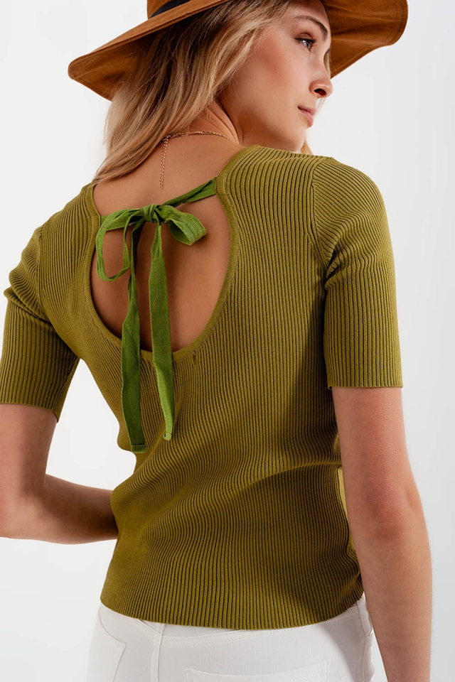 Strickpullover mit Schnürung hinten in Grün
