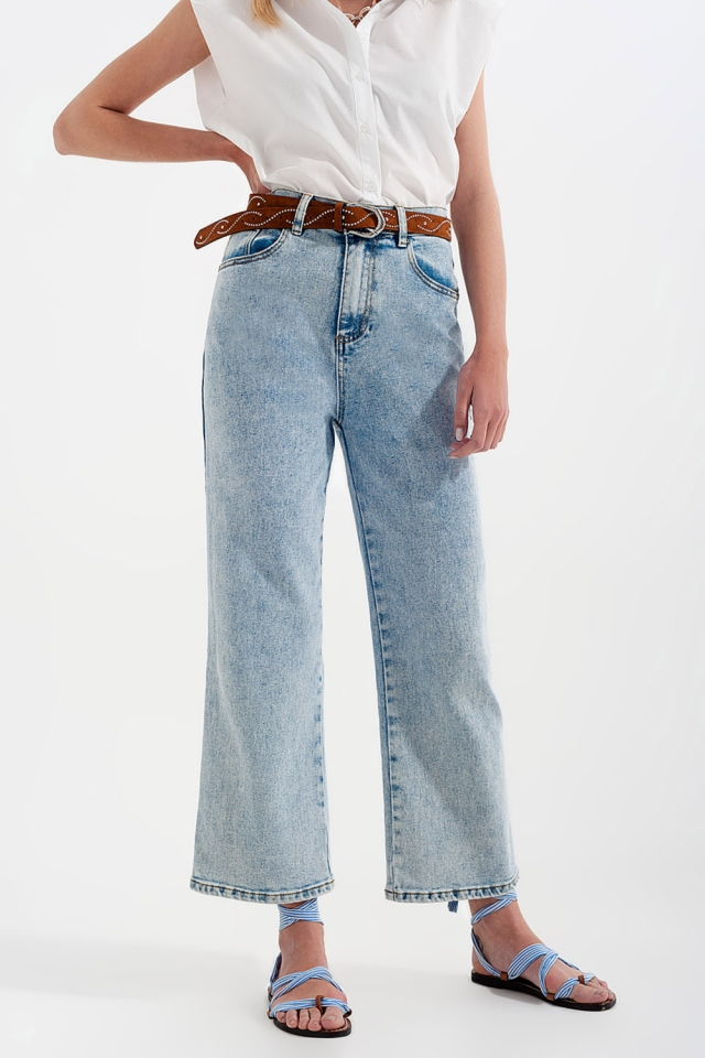 High rise wide leg jeans in bleach wash