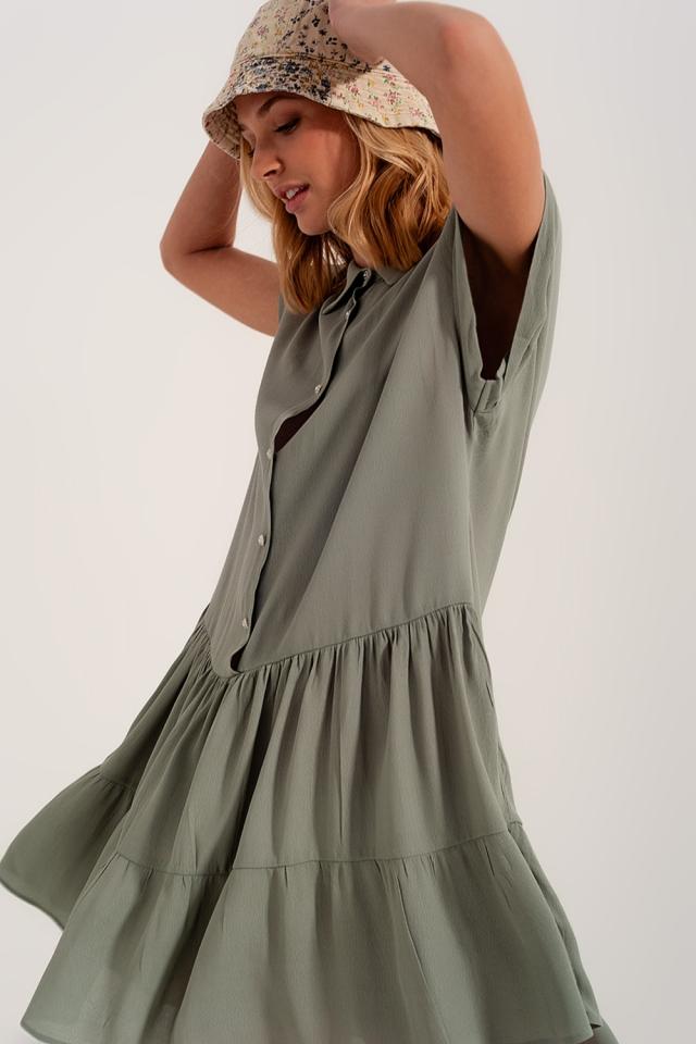 Kurzes Hemdkleid mit gestuftem Saum grün