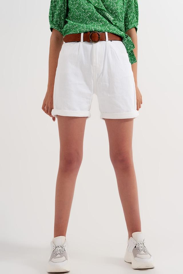 Shorts in weißer Waschung mit hohem Bund