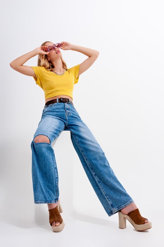 Jeans mit hohem Bund und zierrissen in mittlerer waschung