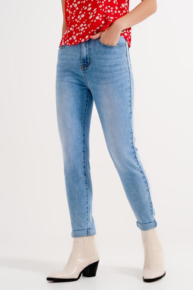 Skinny-Jeans mit hohem Bund und hellblauer Waschung