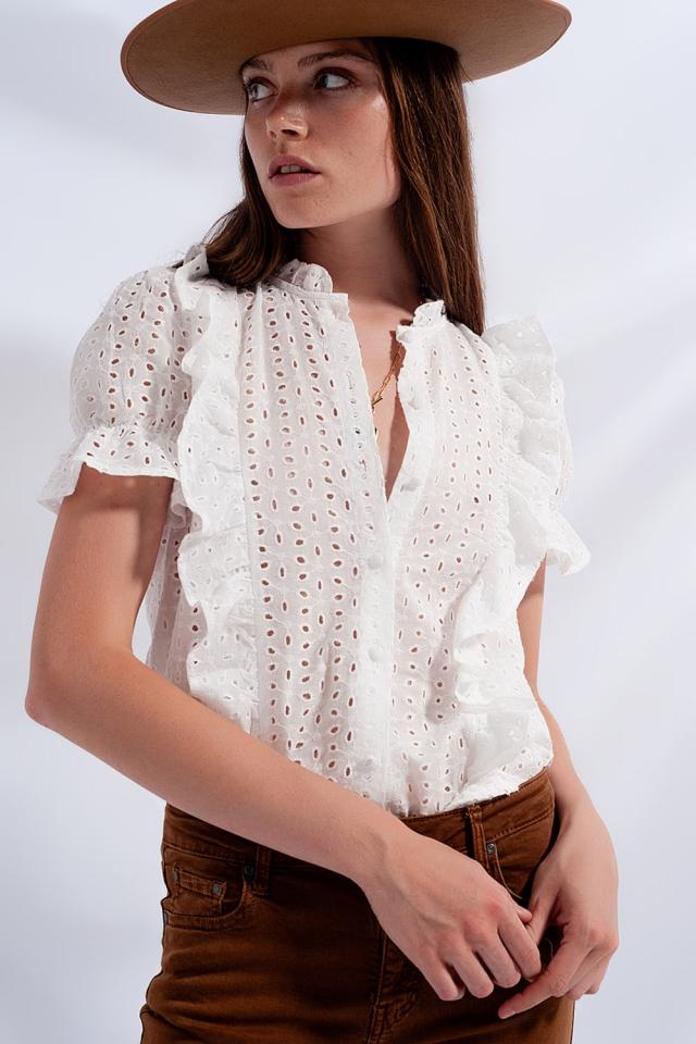 Rüschenhemd mit Lochstickerei in Weiß