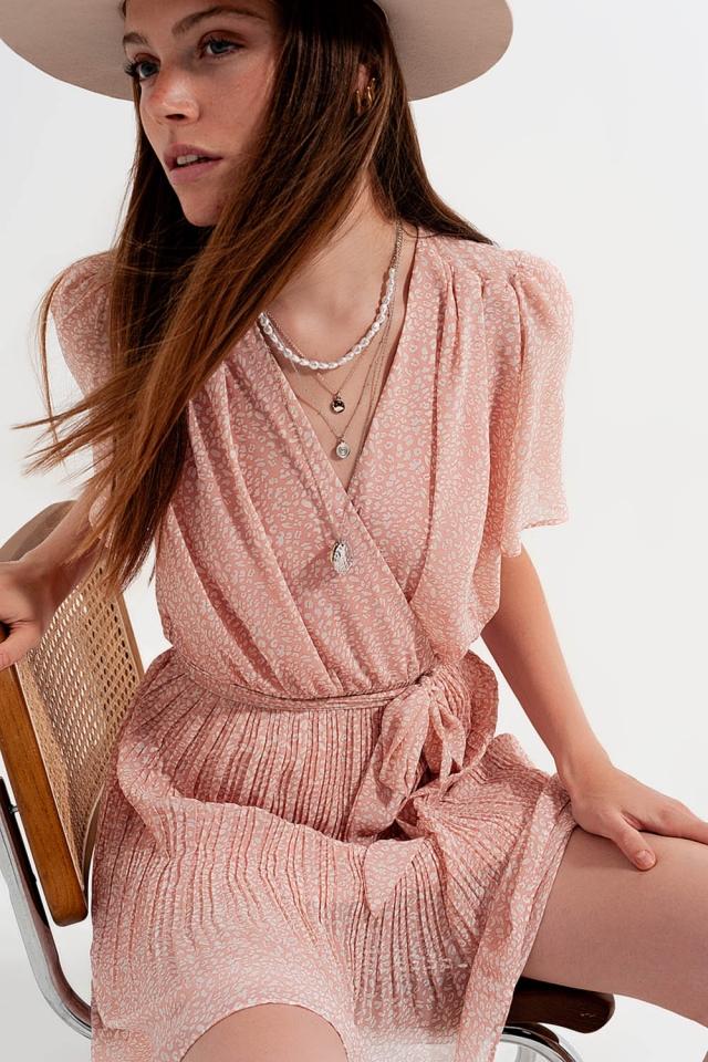 Wrap dress in pink leopard