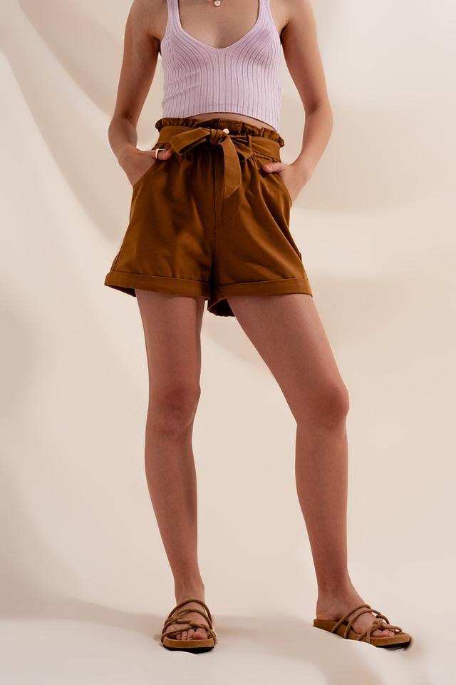 Shorts mit Taillengürtel in Camel