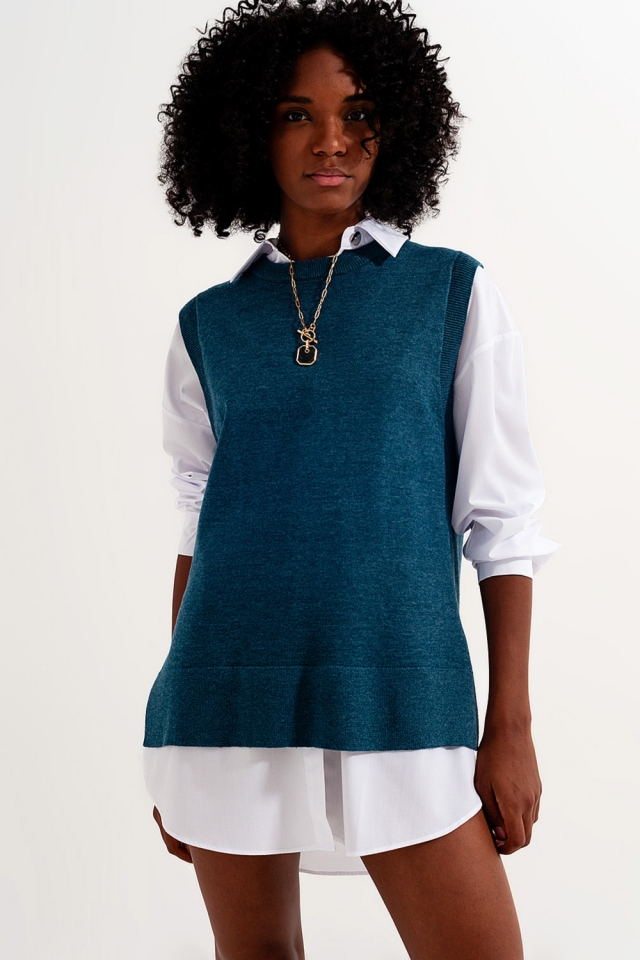 Knitted vest in blue