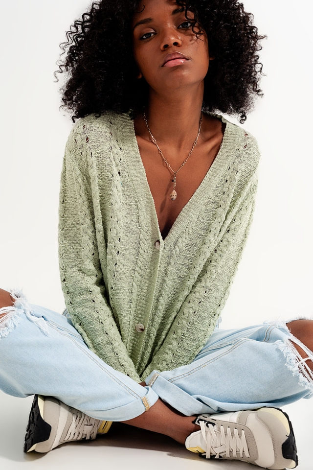 Midweight button cardigan in green
