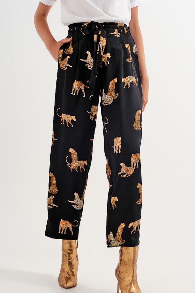 Hose mit schwarzem Tigerdruck
