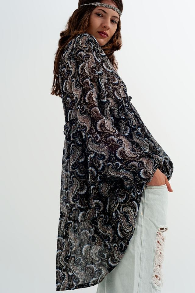 Ausgestelltes Kleid aus gemustertem Chiffon