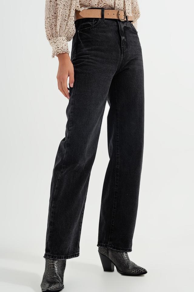 Straight Jeans mit extrem hohem Bund in verwaschenem Schwarz