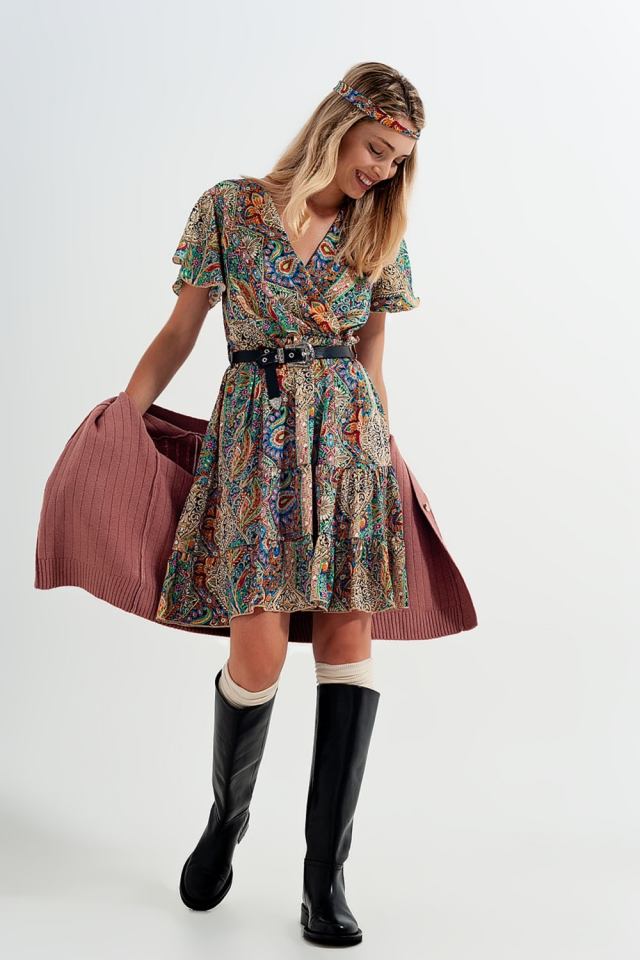 Short dress with paisley print in green