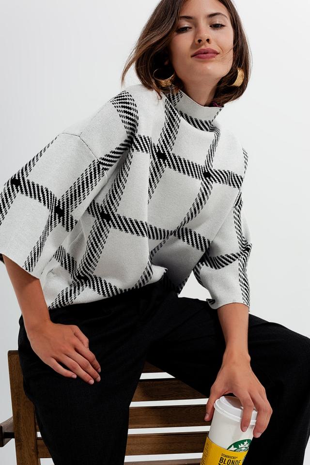 Karierter monochromer Pullover in Creme
