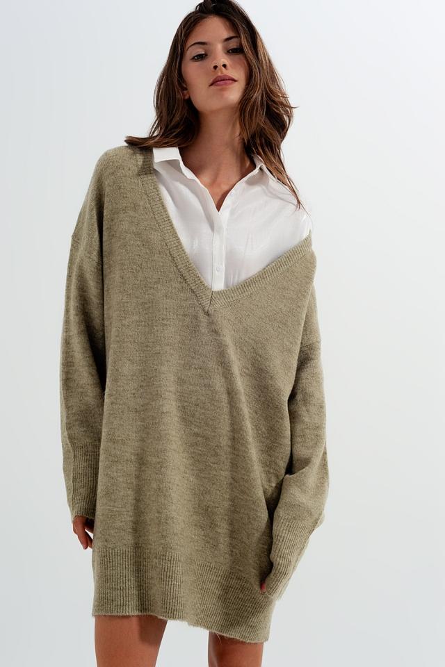 Lässiger Pullover mit V-Ausschnitt in Grün