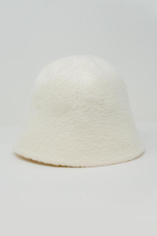 Cream knitted bucket hat